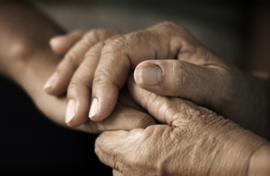 elderlyhands_110911754.jpg